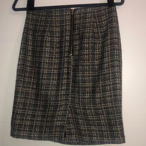 Banana Republic Skirts - SALE! Banana Republic tweed skirt